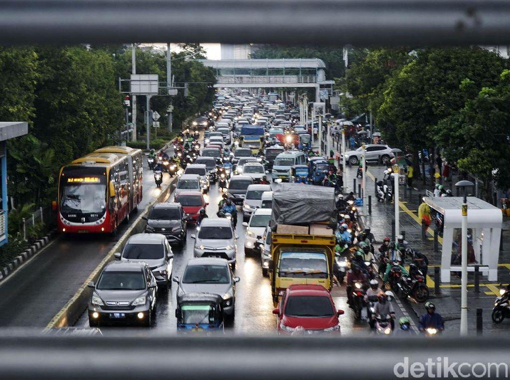 Potret Kemacetan Sore Ini Tanpa Ganjil Genap