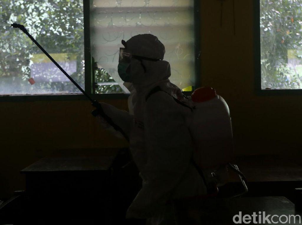 Kantor SAR Kendari Lakukan Penyemprotan Disinfektan