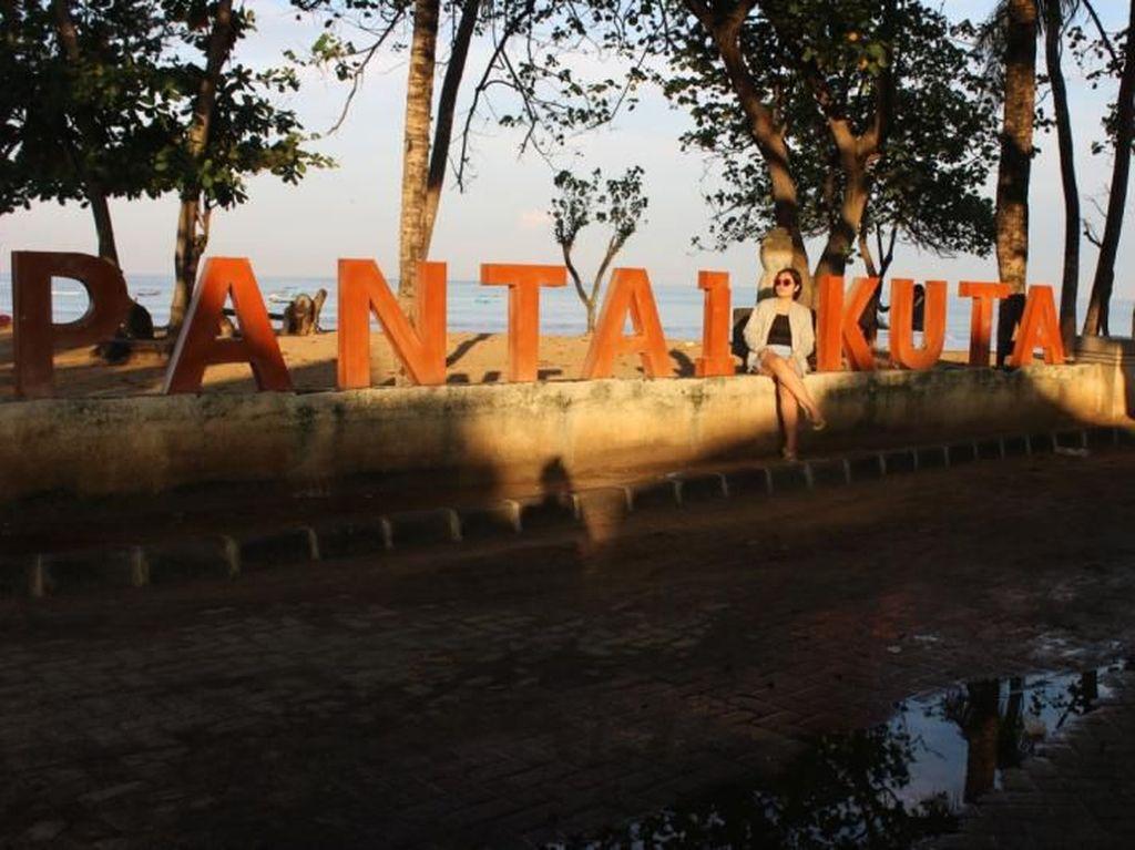 Terpesona Sunrise di Pantai Paling Populer Bali