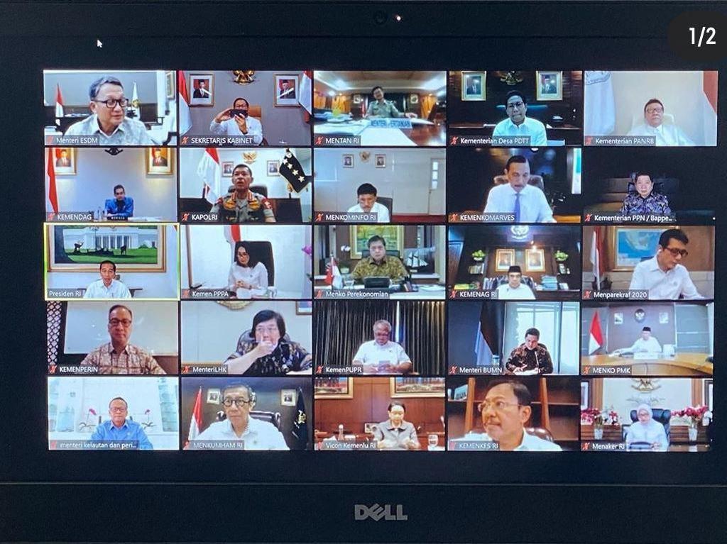 Jokowi Gelar Ratas dengan Menteri soal Corona via Teleconference
