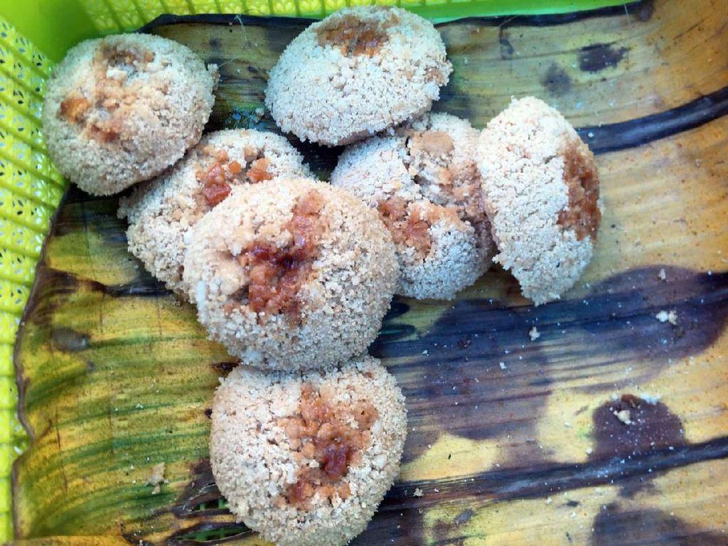 Legit Wangi Putu Kaddaro, Kue Tradisional Polewali Mandar