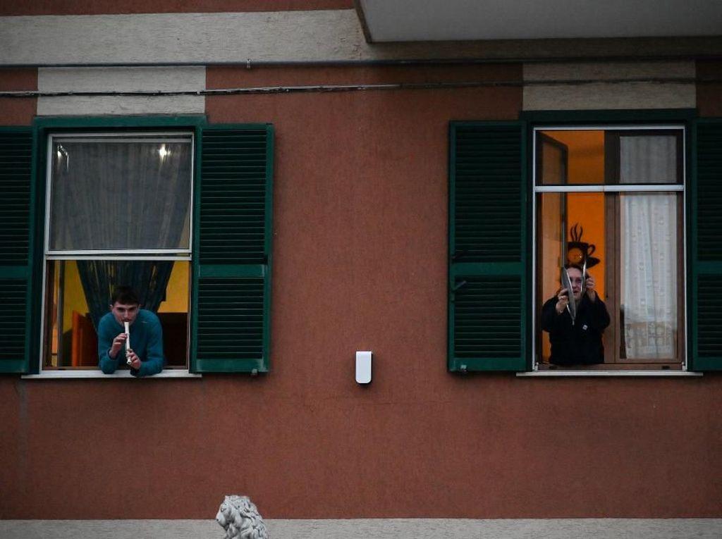 Lagu Nasional China Menggema di Italia karena Bantuan Medis Corona