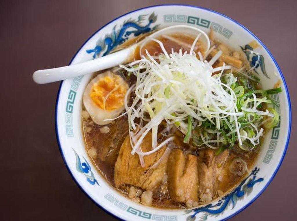 Okonomiyaki hingga Anago, 5 Makanan Horishima yang Populer!