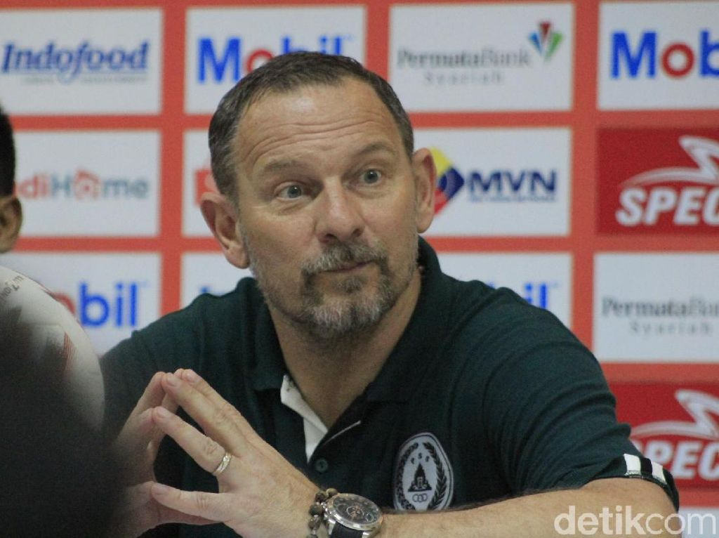 Dejan Antonic Sambut Positif Rencana Lanjutnya Shopee Liga 1 2020