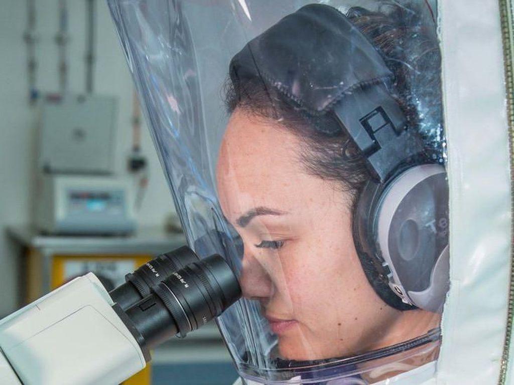 Studi Temukan Virus Corona Bisa Tertinggal di Dahak dan Tinja Pasien Sembuh