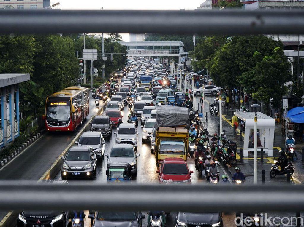 Hari Pertama Ganjil Genap di DKI Diberlakukan, 1.195 Kendaraan Ditindak