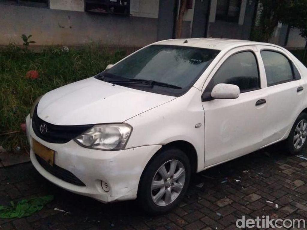 Mobil Bekas Taksi Rp 30 Jutaan Disulap Seperti Baru Keluar Dealer