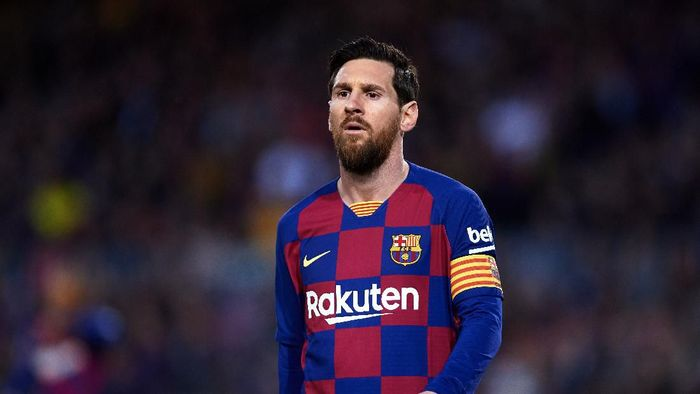 BARCELONA, SPAIN - MARCH 07: Lionel Messi of FC Barcelona looks on during the Liga match between FC Barcelona and Real Sociedad at Camp Nou on March 07, 2020 in Barcelona, Spain. (Photo by Alex Caparros/Getty Images)
