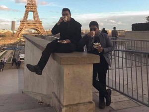 Netizen Tajir Melintir, Ajak Temannya Ngopi Dadakan ke Paris