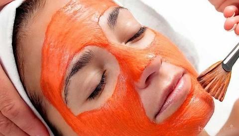 4 Alasan Mengapa Kamu Harus Merawat Wajah Dengan Masker Tomat
