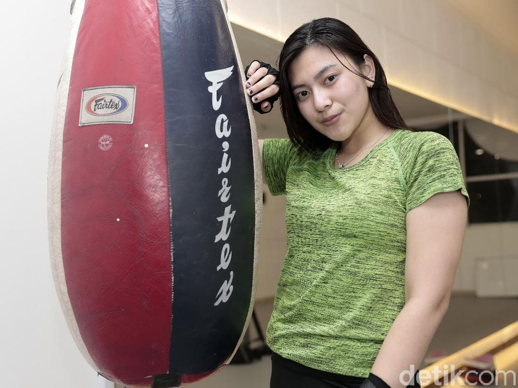 Resiah Lim, Asisten Ashanty yang Hebohkan Netizen
