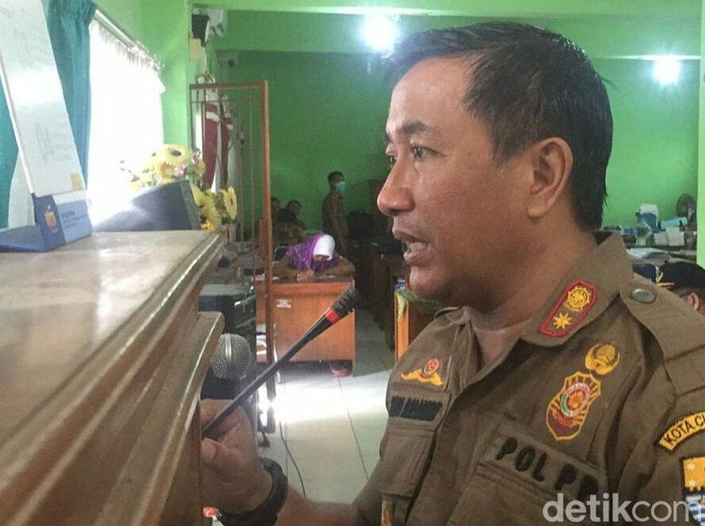 Satpol PP Cirebon Razia Pelajar Libur yang Main ke Warnet