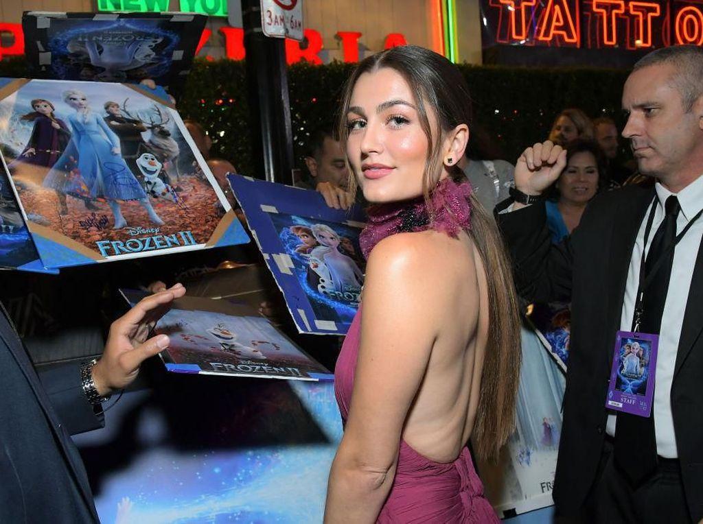 Aktris Pengisi Suara Frozen 2 Ini Dikarantina karena Positif Corona