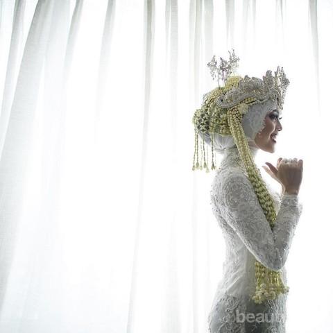 Cantiknya 5 Baju Pengantin Adat Jawa Untuk Muslimah Ini Buatmu Bak Puteri Keraton