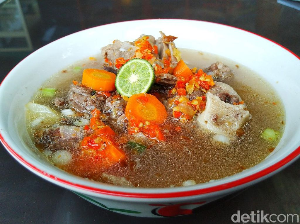 Nikmatnya Menyantap Sop Daging dan Sop Sumsum di Sop Sapi Gosyen