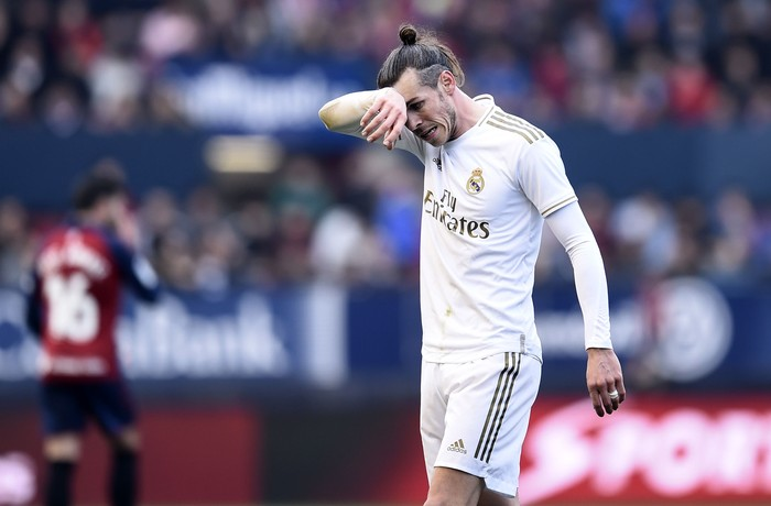 PAMPLONA, SPAIN - FEBRUARY 09: Gareth Bale of Real Madrid reacts during the La Liga match between CA Osasuna and Real Madrid CF at El Sadar Stadium on February 09, 2020 in Pamplona, Spain. (Photo by Juan Manuel Serrano Arce/Getty Images)