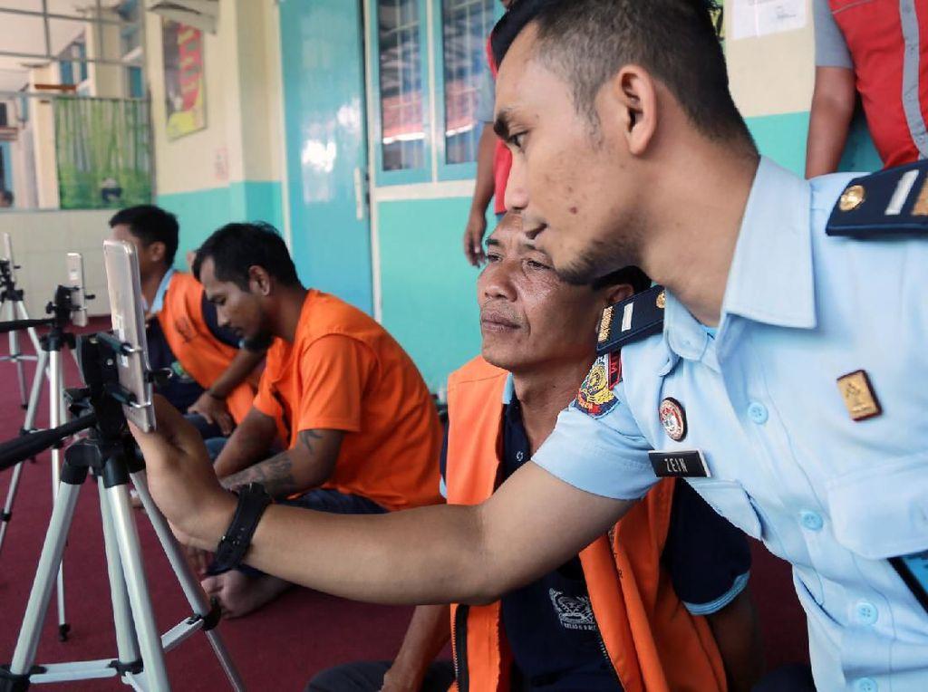 Cegah Penyebaran Corona, Lapas Palopo Bolehkan Napi Video Call Keluarga