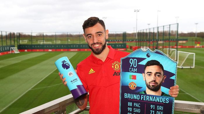 MANCHESTER, ENGLAND - MARCH 10:  Bruno Fernandes of Manchester United is Presented with the Premier League Player of the Month for February at Aon Training Complex on March 10, 2020 in Manchester, England. (Photo by Alex Livesey/Getty Images for Premier League)