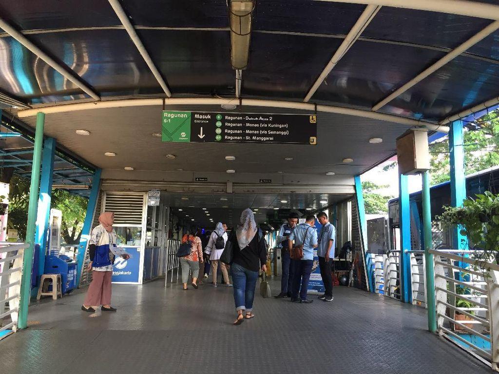 Cegah Corona, TransJakarta Tak Layani Pembayaran Tunai Mulai Besok