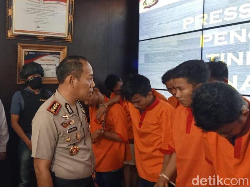 Polisi Tangkap 5 Kurir Narkoba di Palembang, 2 Kg Sabu Disita