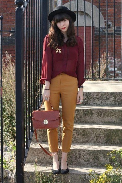 Celana Mustard Cocok Dengan Baju Warna Apa