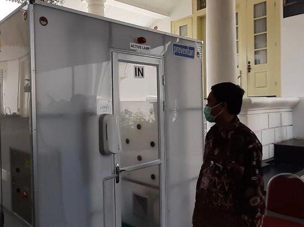Legislator PKB Dorong BUMN Kesehatan Produksi Bilik Disinfektan