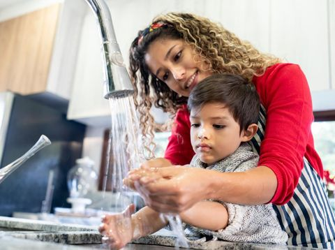 Ajari anak cuci tangan