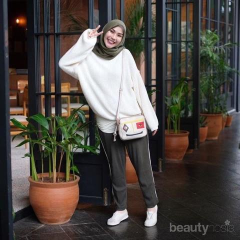 Ootd Hijabers Dengan Sweater Kekinian Yang Stylish Pas Untuk Hangout