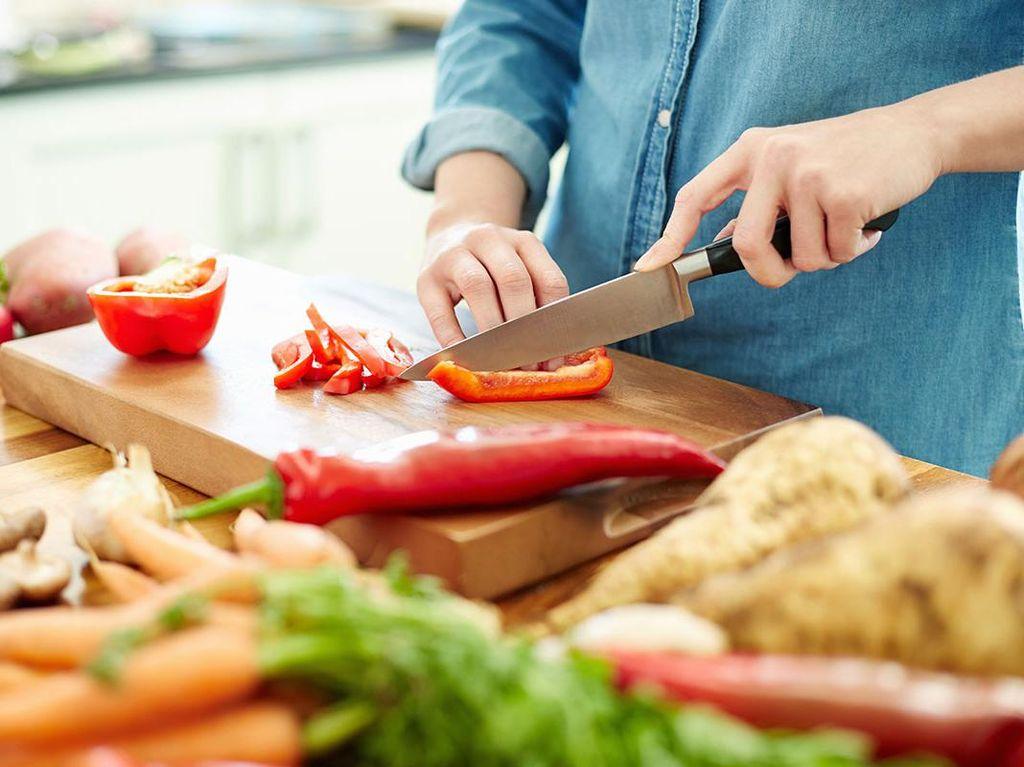 Suaminya Dulu Anak Kos, Istri Ini Jadi Rajin Masak Makanan Enak Setiap Hari
