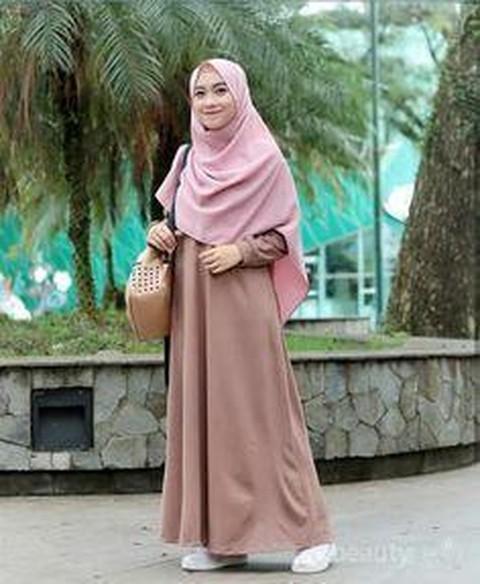Tetap Tampil Modis Dengan Mix And Match Jilbab Syar I Ini Inspirasinya