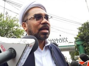 KSP: Ngabalin 1 Pesawat dengan Edhy Prabowo tapi Tak Diamankan KPK