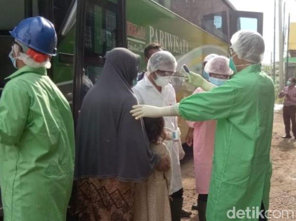 106 Warga Batang Rombongan Bus dari Bali Diperiksa