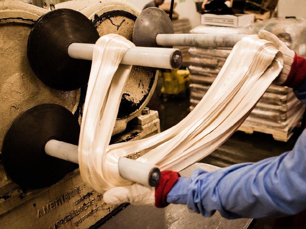 Gokil! Pabrik Permen Klasik Ini Sudah Ada Sejak 100 Tahun Lalu