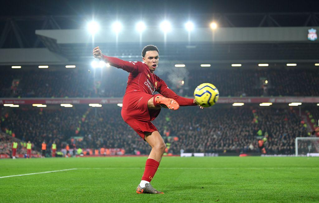 Trent Alexander-Arnold kini sudah mengisi skuat utama Liverpool (Photo by Michael Regan/Getty Images)