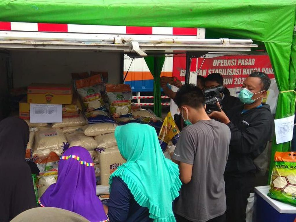 Tekan Harga Gula dan Beras, Bulog Gelar 5 Pasar Murah di DKI