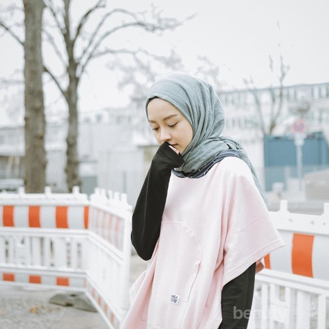 Ootd Hijab Simple Gita Savitri Yang Cocok Banget Dipakai Buat Hang Out