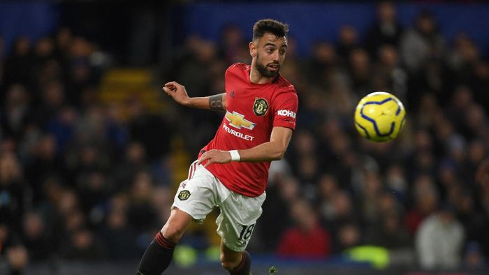 LONDON, ENGLAND - FEBRUARY 17: Bruno Fernandes of Manchester United in action during the Premier League match between Chelsea FC and Manchester United at Stamford Bridge on February 17, 2020 in London, United Kingdom. (Photo by Mike Hewitt/Getty Images)