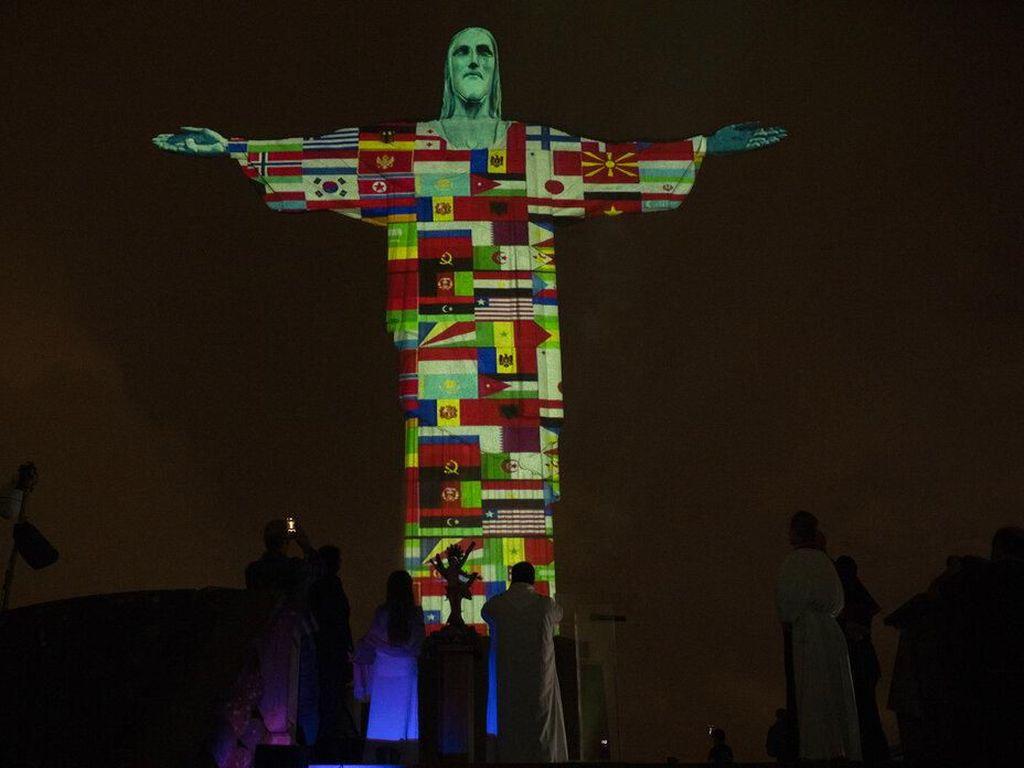 Patung Yesus Memberkati Pun Tutup karena Corona