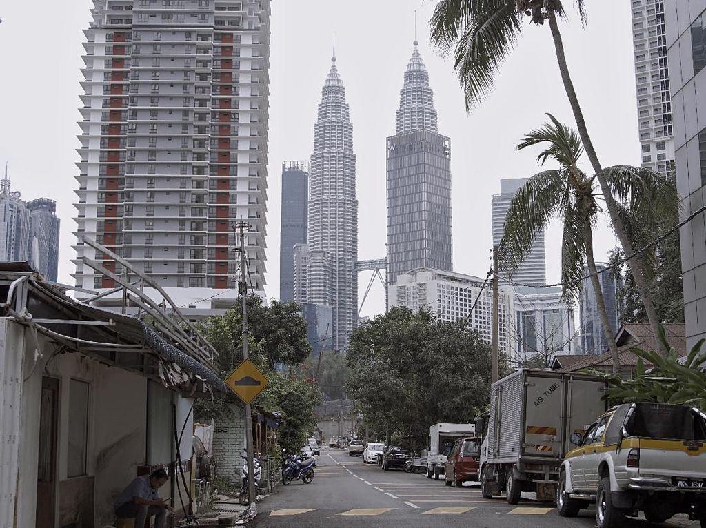 Malaysia Akan Lockdown, Hanya Boleh 2 Orang Pergi Keluar Radius 10 Km