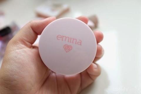 Review: Emina Bare With Me Mineral Loose Powder, Solusi untuk Atasi Wajah  Berminyak