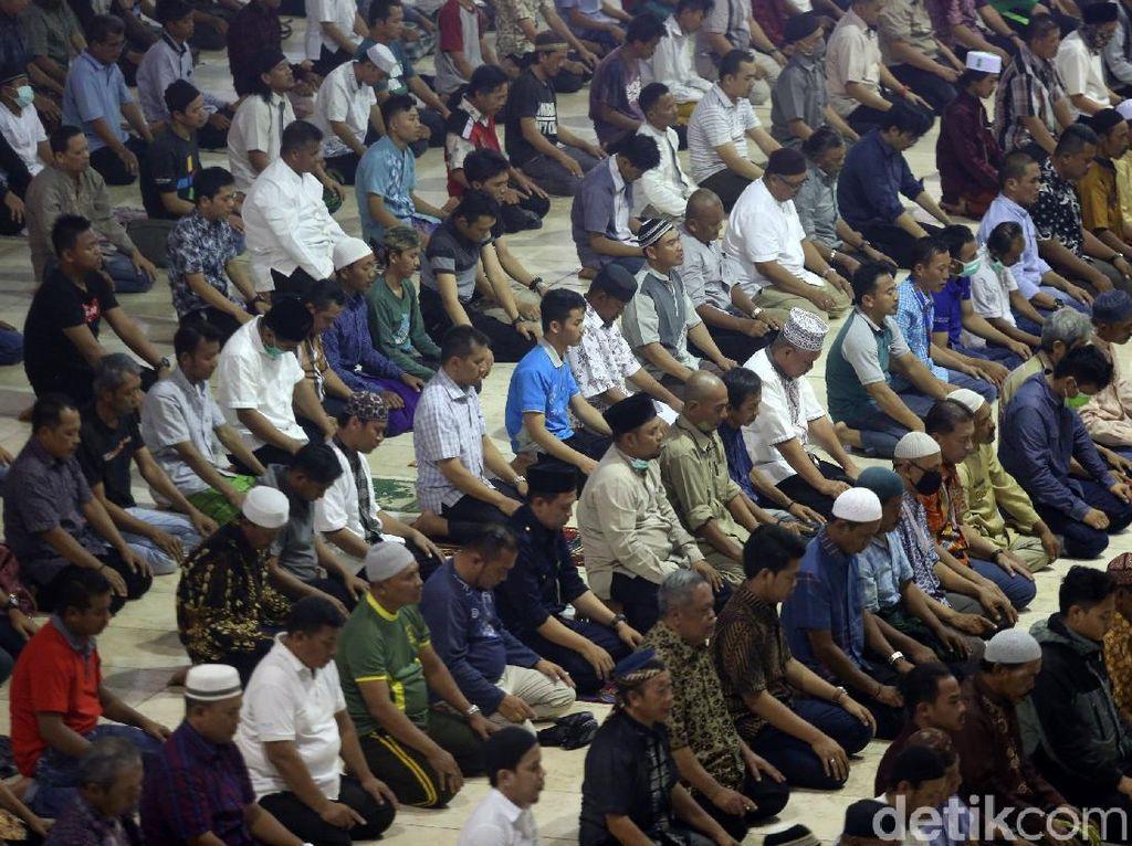 Pasien Positif Corona Jadi Imam Tarawih, Dokter: Virus Dianggap Remeh