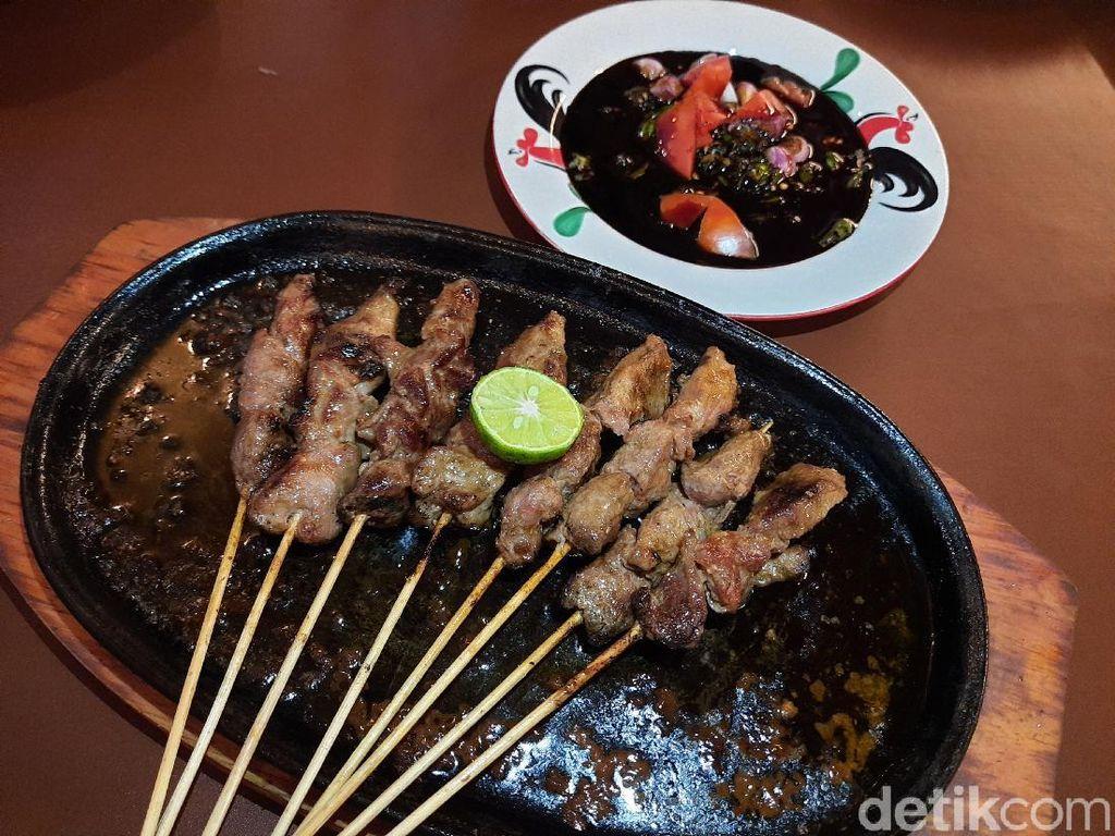 Sate Aye : Empuk Juicy Sate Domba Hot Plate dan Gule Domba Berempah