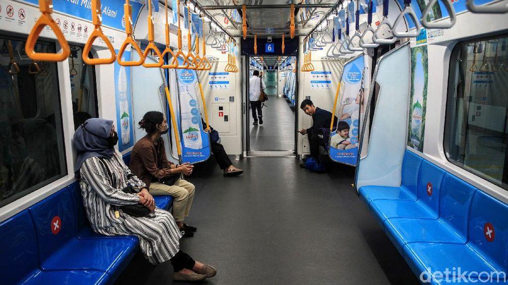 MRT Jakarta Terapkan Social Distancing
