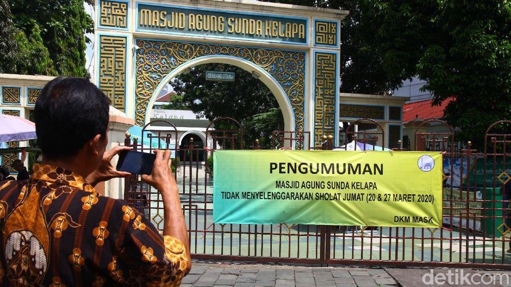 Masjid Sunda Kelapa Tak Gelar Salat Jumat, Warga Balik Kanan