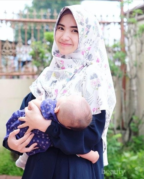 Tips Memilih Baju Menyusui Untuk Muslimah