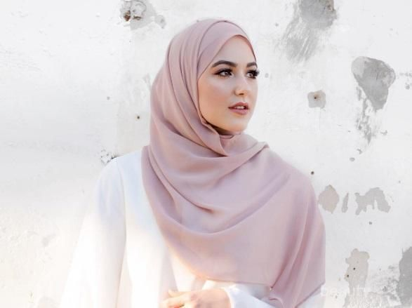 5 Bahan Kerudung Pashmina yang Nyaman dan Mudah Dibentuk