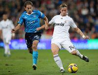 Guti (kanan) yang dulu merupakan otak permainan Real Madrid