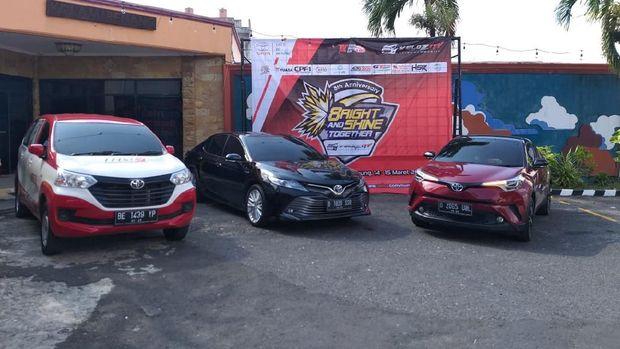 Loyalis Avanza Veloz Rayakan Ultah dengan Mobil Hybrid Toyota