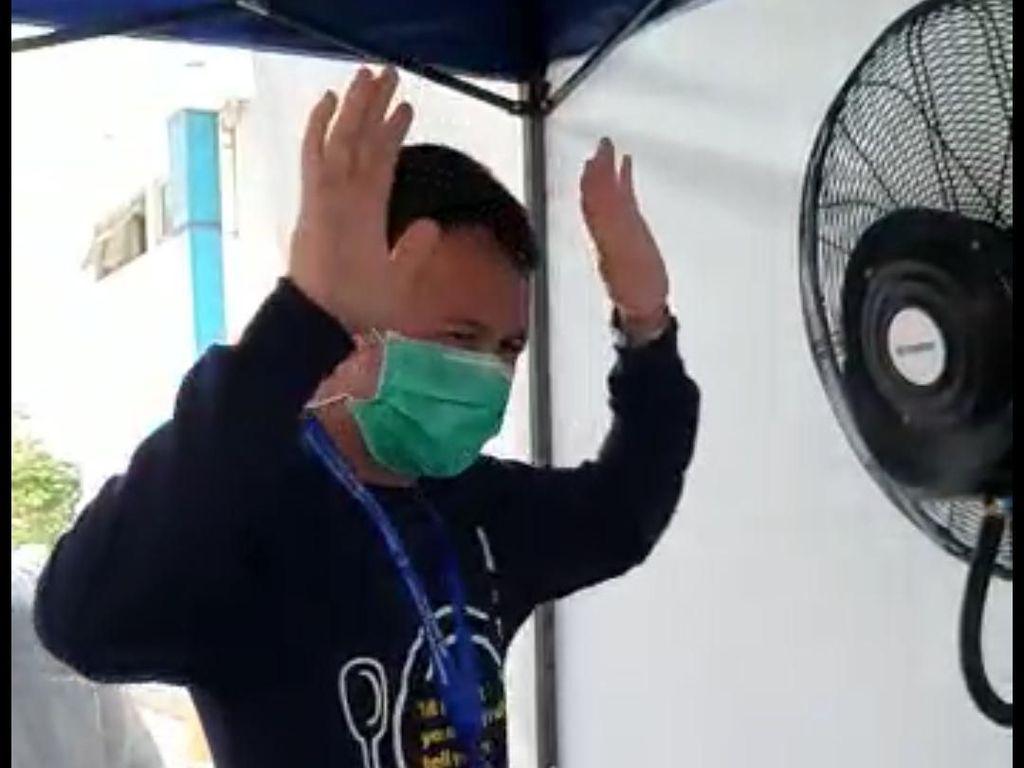 Corona Mewabah, Pengunjung RSUD Sumedang Disembur Antiseptik