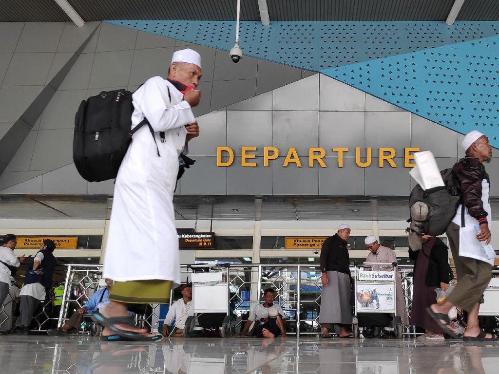 Gubernur Sulsel Pantau Kepulangan WNI Peserta Ijtima Dunia di Bandara